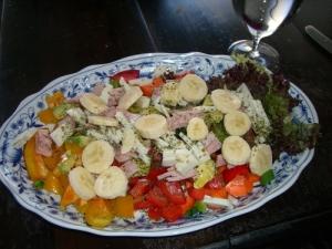 banaania salaatissa